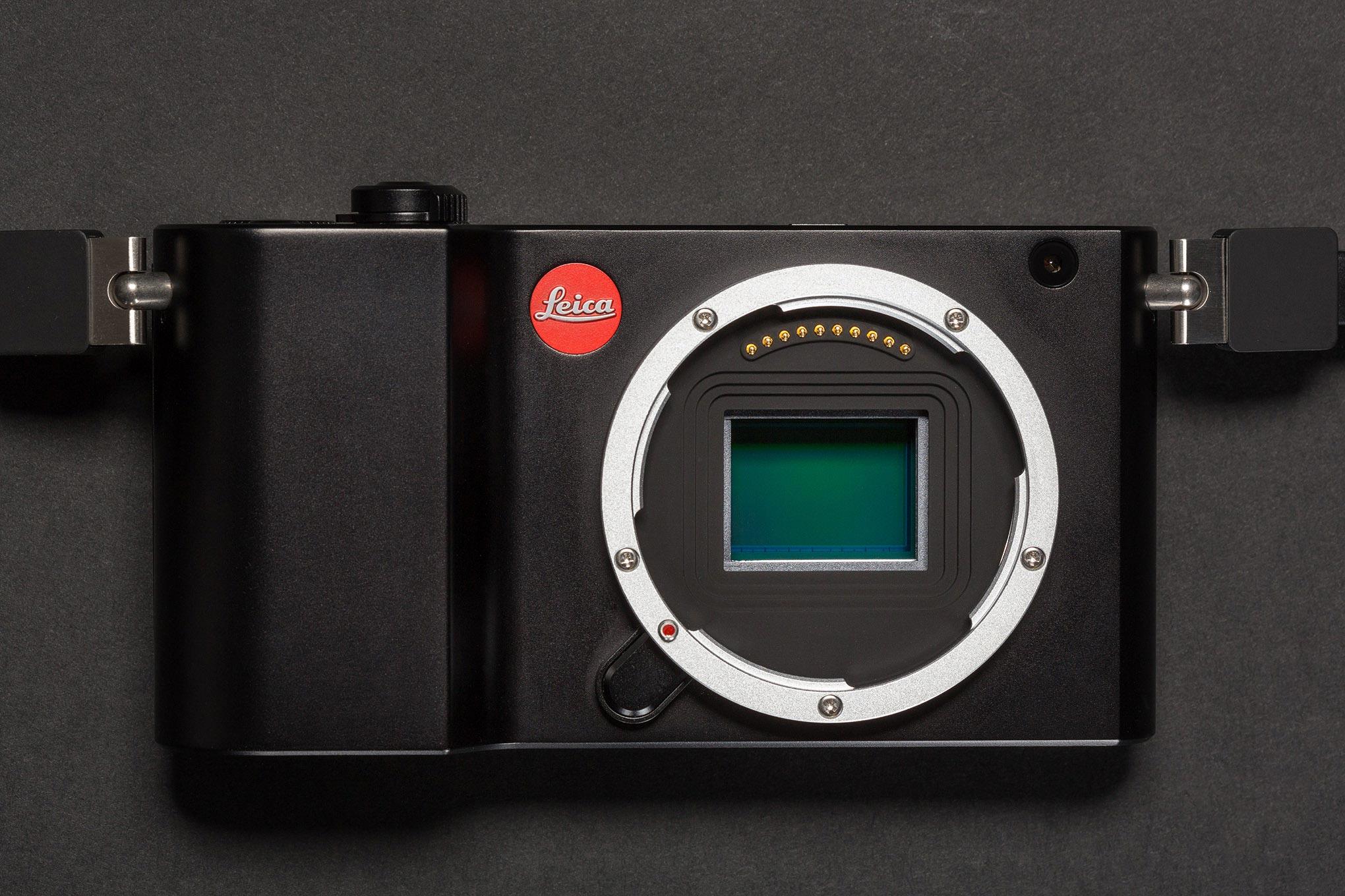 -camera-reviews Leica TL2 1 - لایکا TL2 را معرفی کرد؛ دوربینی بدون آینه با هزینه 2 هزار دلاری